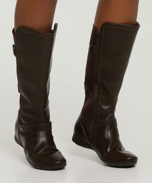 Oferta de Bota Feminina Cano Alto Recorte Fivela Comfortflex por R$149,99