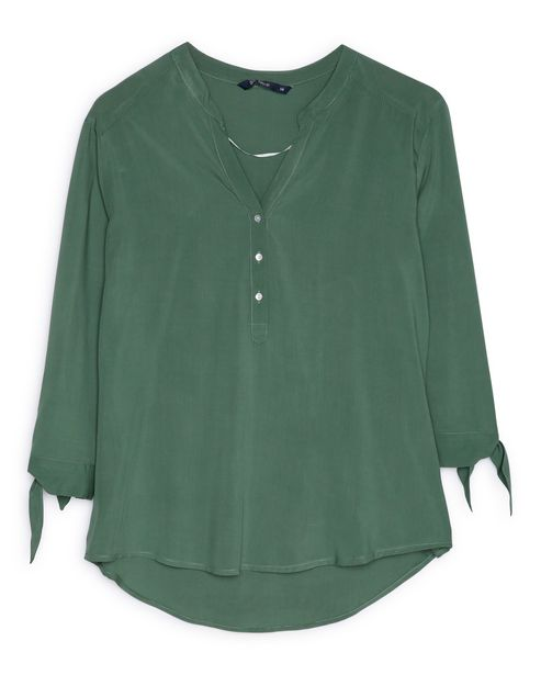 Oferta de Camisa Botões Lisa - Verde por R$69,9