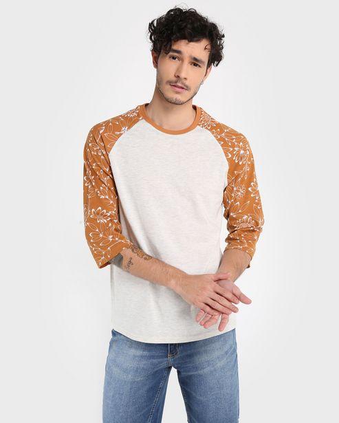 Oferta de Camiseta Raglan Floral - Cinza Claro por R$19,9