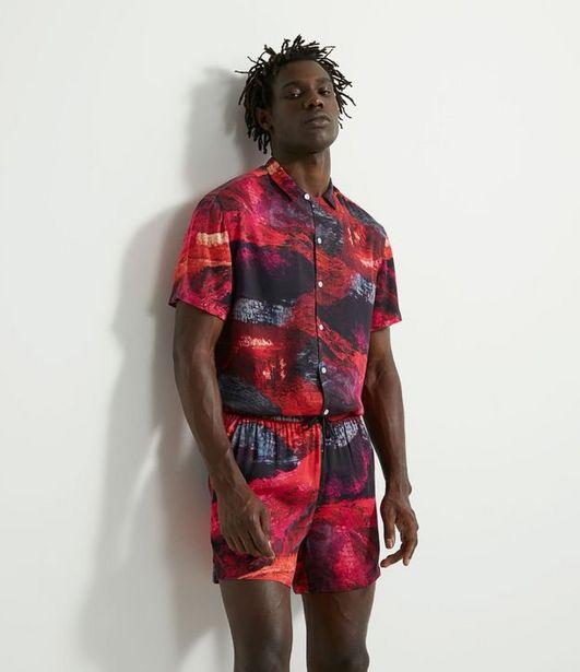 Oferta de Camisa Manga Curta em Viscose Estampa Textura Orgânica  por R$59,9