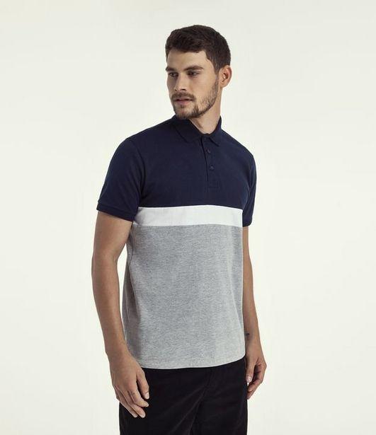 Oferta de Camiseta Polo Lisa com Recortes  por R$39,9