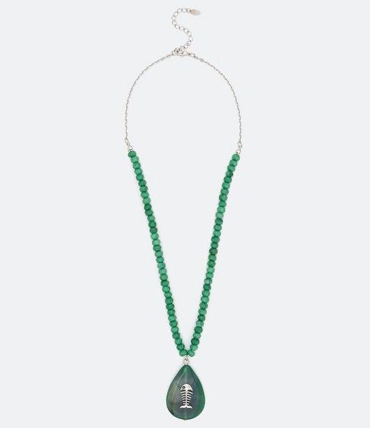 Oferta de Colar Curto com Cordão e Pingente de Pedra  por R$19,9