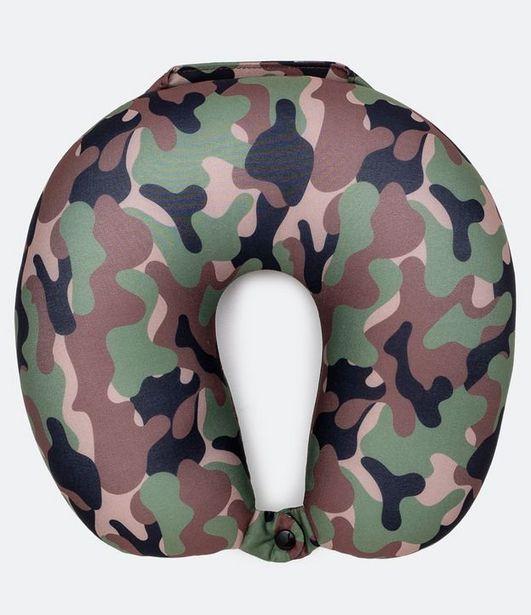 Oferta de Travesseiro de Viagem Estampa Camuflage  por R$39,9