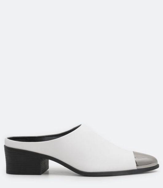 Oferta de Sapato Mule com Biqueira Satinato  por R$99,9