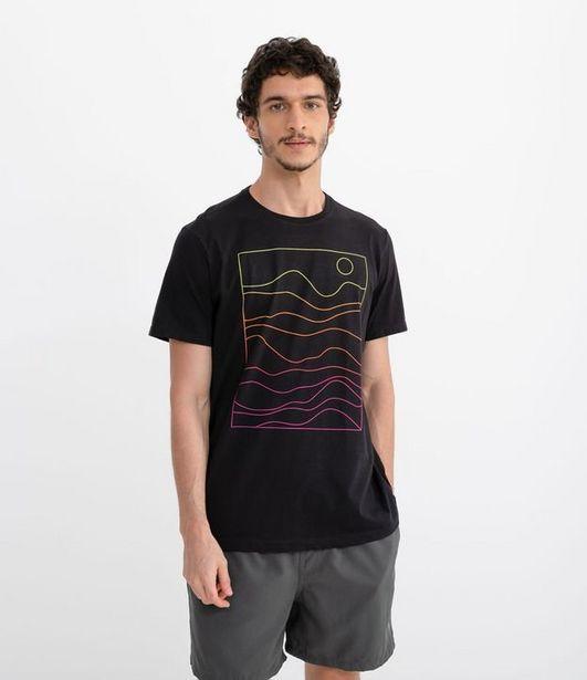 Oferta de Camiseta Manga Curta Estampa Minimalista Montanhas e Sol  por R$19,9