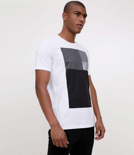 Oferta de Camiseta Slim com Estampa Quadrados  por R$19,9