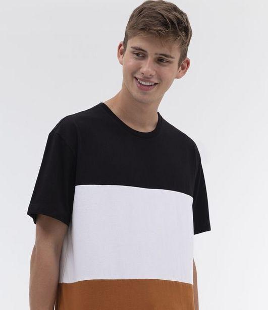 Oferta de Camiseta com Bloco de Cor  por R$29,9