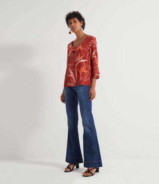 Oferta de Blusa Estampada com Folhas  por R$39,9