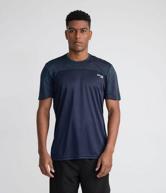 Oferta de Camiseta Esportiva com Recorte  por R$49,9