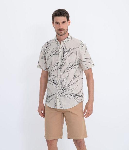 Oferta de Camisa Masculina em Linho Estampa Folhas  por R$59,9
