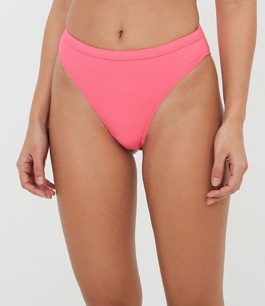 Oferta de Calcinha Hot Pants High Leg Lisa  por R$15,9