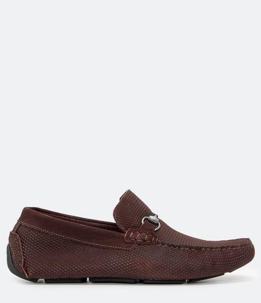 Oferta de Sapato Mocassim com Textura em Couro  por R$149,9