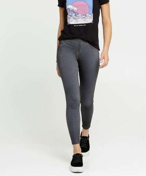 Oferta de Calça Feminina Jegging Bolsos Zune Jeans por R$39,99