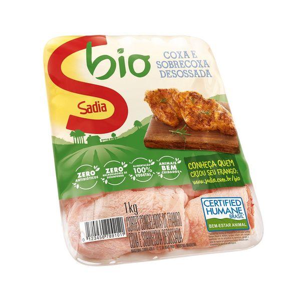 Oferta de Coxa com Sobrecoxa de Frango Congelada Sadia Bio 1Kg por R$18,09