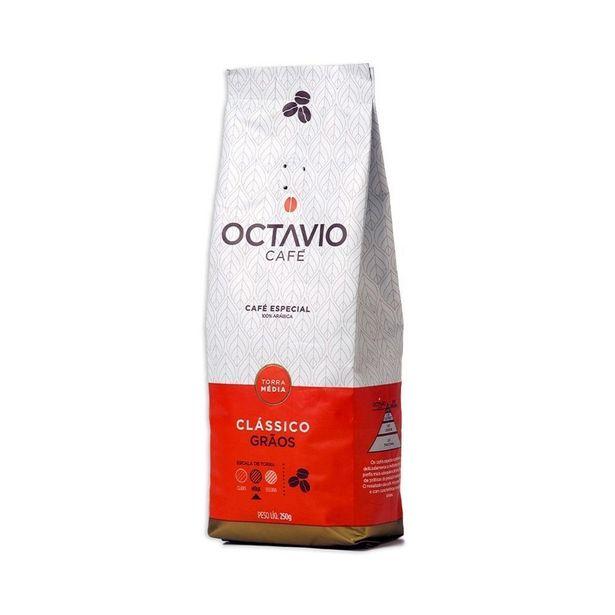 Oferta de CAFÉ EM GRÃOS CLÁSSICO 250G - OCTAVIO CAFÉ por R$21,9