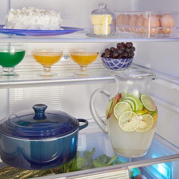 Oferta de Geladeira/Refrigerador Panasonic A+++ 2 Portas 425 Litros Frost Free Inverter NRBB53PV3XB - Aço Escovado por R$3899
