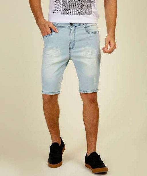 Oferta de Bermuda Masculina Jeans Puídos Bolsos Razon por R$39,99