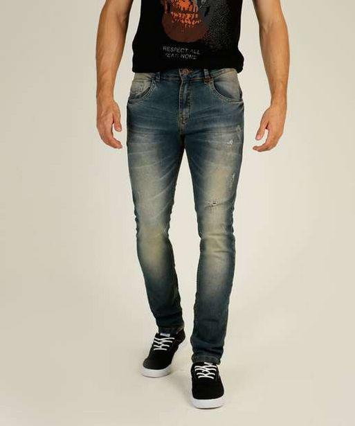 Oferta de Calça Masculina Jeans Puídos Reta Rock & Soda por R$55,99