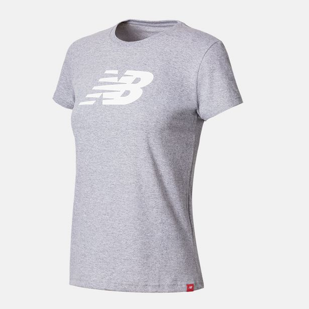 Oferta de Camiseta Manga Curta New Balance Athletics Feminino por R$69,99