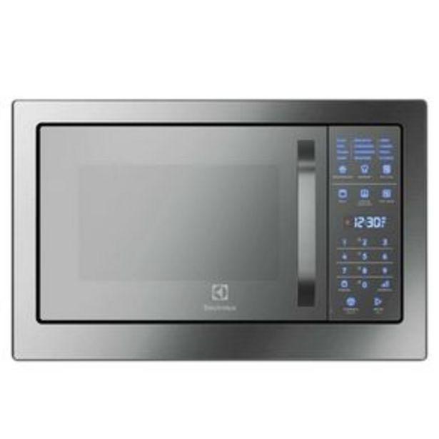 Oferta de Forno Microondas embutir Electrolux MB38T 28 Litros com função Grill e Painel Blue Touch, Inox por R$3999