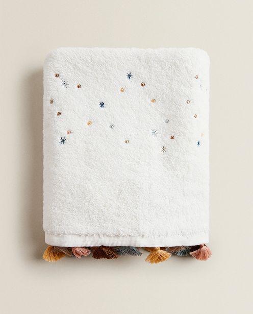 Oferta de Toalha Estrelas E Pompons Multicoloridos por R$89,9