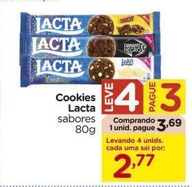 Oferta de Cookies Lacta sabores 80g por R$3,69