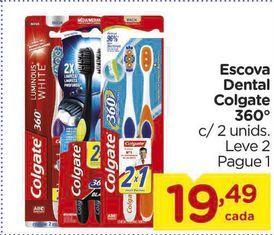 Oferta de Escova Dental Colgate 360° c/ 2 unids. por R$19,49